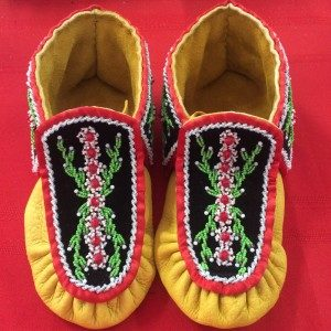 Samantha Jacobs, beadwork, leatherwork, Indigenous Artist, First Nations, Indigenous Arts Collective of Canada, Pass The Feather