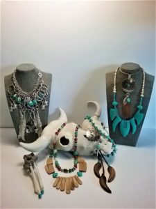 Kelly & Claire Nahwegahbow, The Beading Drum Jewelry, beadwork, jewelry, leatherwork, workshops, Indigenous Artist, First Nations, Indigenous Arts Collective of Canada, Pass The Feather