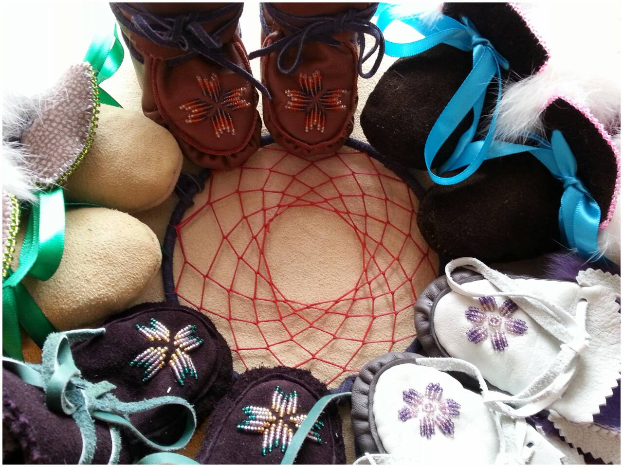 chandra labelle, ama beads, mocassins, dream catchers, artist, jewelry, pass the feather, aboriginal arts and collective