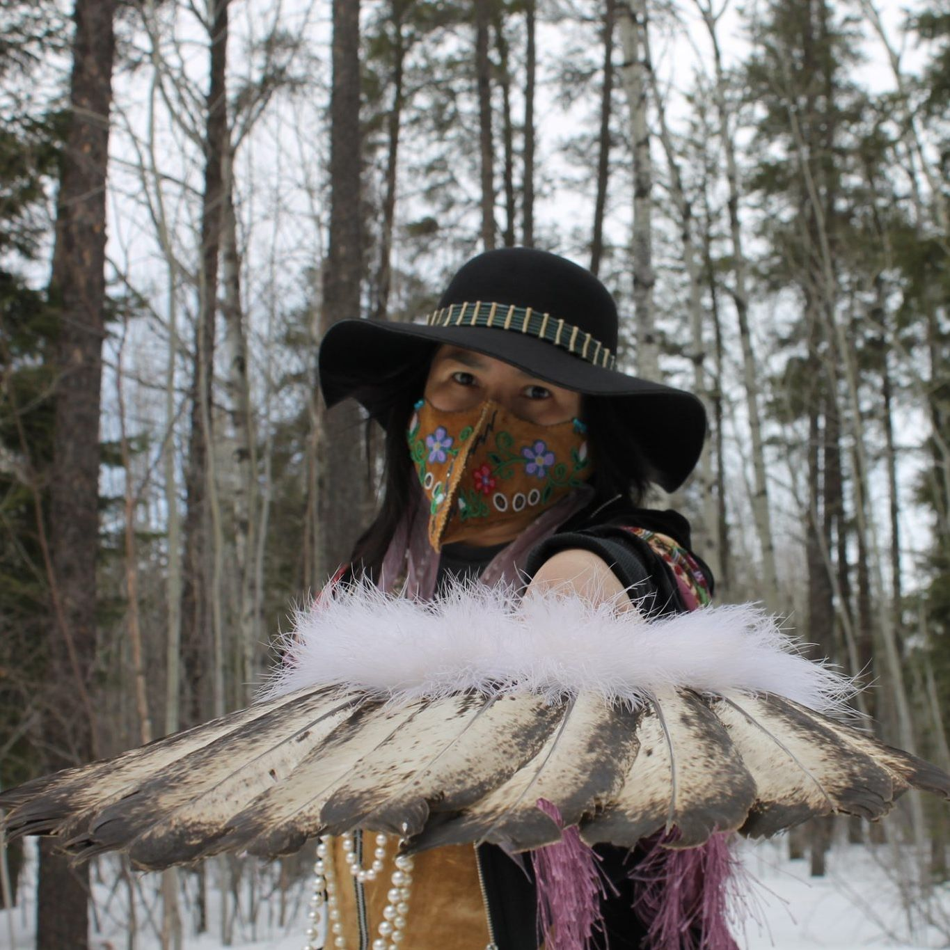 Donna Delores Gull, native art, indigenous artist, pass the feather, Indigenous arts collective of canada