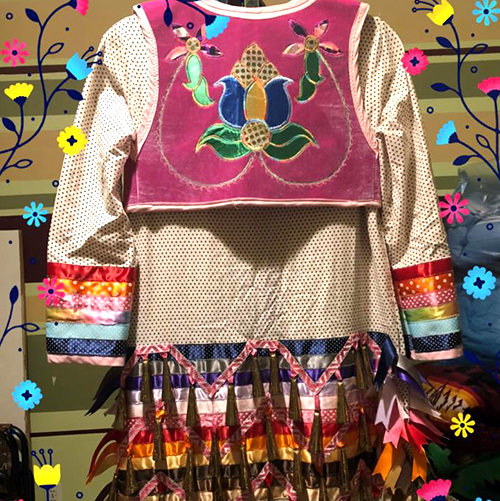 Melissa Lowe, Mellowe Creations, beader, jewelry maker, leatherwork, multidisciplinary, covid-19 masks, mocassins, powwows, regalia, sewing, Indigenous Artist, First Nations, Indigenous Arts Collective of Canada, Pass The Feather