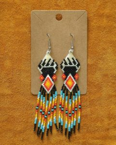 Jennah Martens-Forrester, BannockBurrito, beadwork, beader, crafts, craft maker, leatherworkk, hand drums, dreamcatchers, Indigenous Artist, First Nations, Indigenous Arts Collective of Canada, Pass The Feather