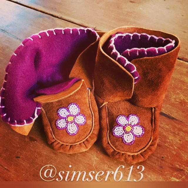 Jill Simser, beader, beadwork, craft maker, crafts, leatherwork, dreamcatchers, moccasins, earrings, barrettes, Indigenous Artist, First Nations, Indigenous Arts Collective of Canada, Pass The Feather