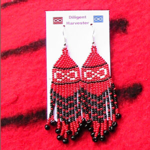Theresa Buker, beadwork, jewelry, Indigenous Artist, First Nations, Indigenous Arts Collective of Canada, Pass The Feather