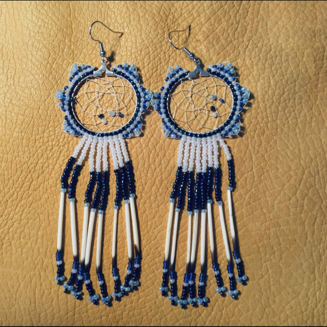 Edith J Waterman, Beadwork, jewelry, Earrings, necklaces, bracelets, Barrettes, Quill earrings, leather pouches, Indigenous Artist, First Nations, Indigenous Arts Collective of Canada, Pass The Feather