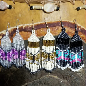 Melanie Ross, beadwork, beading, jewelry, Indigenous Artist, First Nations, Indigenous Arts Collective of Canada, Pass The Feather