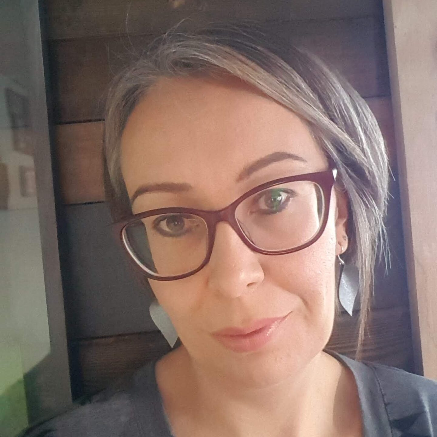 Tricia lreland, jewelry, Indigenous Artist, First Nations, Indigenous Arts Collective of Canada, Pass The Feather