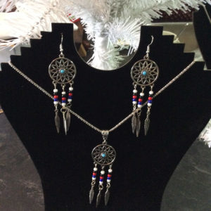 Sharon Robinson, craft maker, crafts, jewelry, jewelry maker, dreamcatchers, sterling silver, Indigenous Artist, First Nations, Indigenous Arts Collective of Canada, Pass The Feather