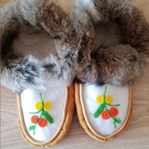 Joan Brant, beader, beadwork, leatherwork, moccasins, Indigenous Artist, First Nations, Indigenous Arts Collective of Canada, Pass The Feather