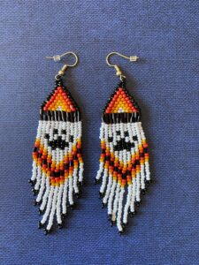 Michelle McCoy, beadwork, beader, Indigenous Artist, First Nations, Indigenous Arts Collective of Canada, Pass The Feather