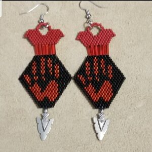 Brenda Gray, beadwork, beader, Indigenous Artist, First Nations, Indigenous Arts Collective of Canada, Pass The Feather