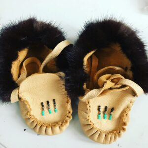 Tonya lee, leatherwork, Moccasins, dreamcatchers, medicine bags, crafts, Indigenous Artist, First Nations, Indigenous Arts Collective of Canada, Pass The Feather