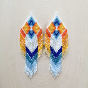 Alex Antle, beadwork, jewelry, Indigenous Artist, First Nations, Indigenous Arts Collective of Canada, Pass The Feather