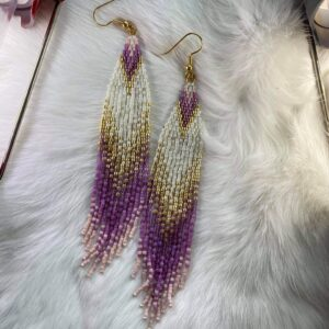 Jessica Dumont, beadwork, beading, jewelry, Indigenous Artist, First Nations, Indigenous Arts Collective of Canada, Pass The Feather